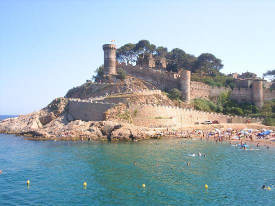 Viajar a Girona: A gozar de la playa en Tossa de Mar