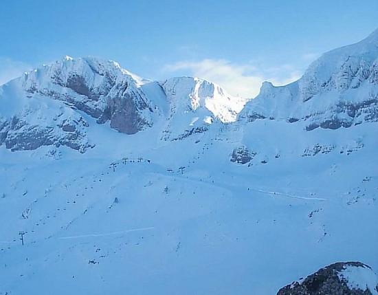 ¡Ven a esquiar a Candanchú!
